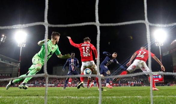 Icardi chứng tỏ chân tiền, lấy 3 điểm cho PSG những phút cuối - Ảnh 2.