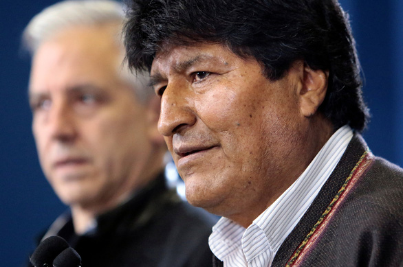 Biểu tình rầm rộ ở Bolivia, quân đội đứng về phía người dân - Ảnh 2.