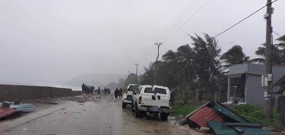 Bão số 6: Đảo Lý Sơn gió giật cấp 9, Phú Yên đã có mưa lớn - Ảnh 1.