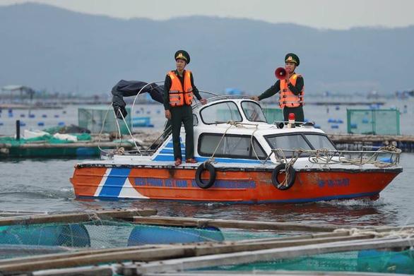 Phú Yên nhiều nơi hoàn tất sơ tán dân tránh bão số 6 - Ảnh 1.