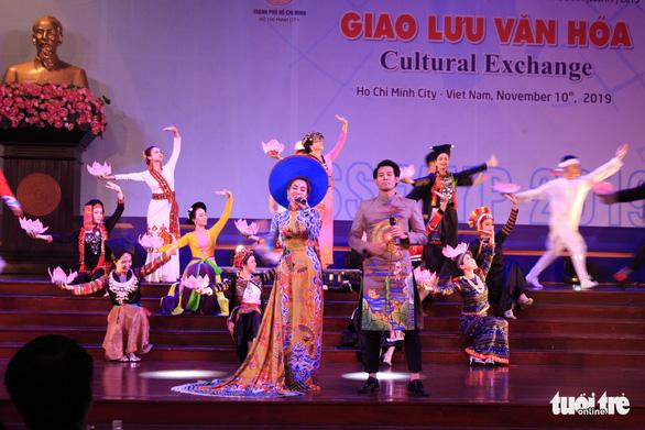 Đại biểu SSEAYP hò reo cùng những ca khúc Việt - Ảnh 8.