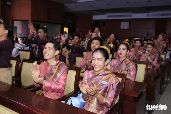 Đại biểu SSEAYP hò reo cùng những ca khúc Việt - Ảnh 1.