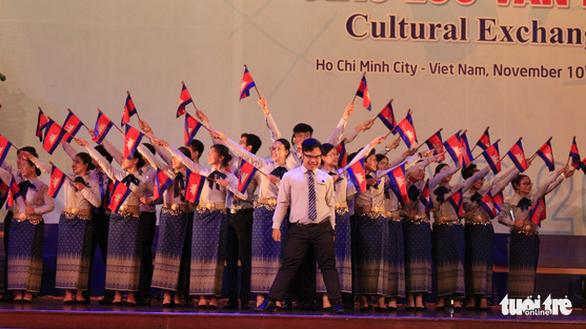 Đại biểu SSEAYP hò reo cùng những ca khúc Việt - Ảnh 3.