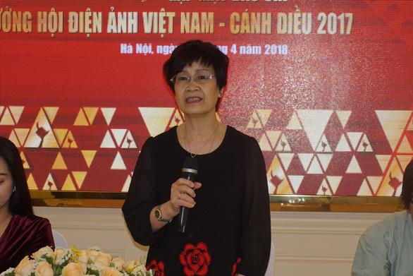 Bà Nguyễn Thị Hồng Ngát xin thôi duyệt phim sau vụ đường lưỡi bò - Ảnh 1.