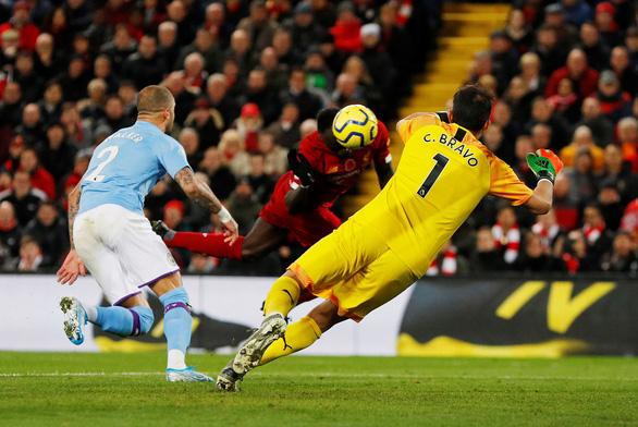 Mane và Salah lập công, Liverpool thắng Man City trên sân Anfield - Ảnh 1.
