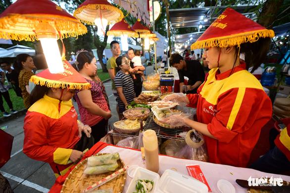 Ngày 14-11 được thưởng thức Việt Nam - bếp ăn của thế giới tại Sài Gòn - Ảnh 1.