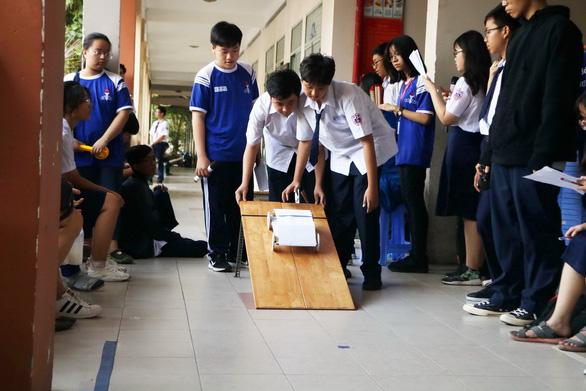 Học trò thi đua xe STEM - Ảnh 1.
