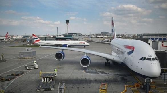 Chỉ vì tiết kiệm 297.000 đồng, Hãng bay British Airways bị tố - Ảnh 1.