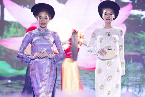 Hoa hậu Áo dài Tuyết Nga tung loạt 5 MV ca nhạc kết hợp thời trang - Ảnh 5.
