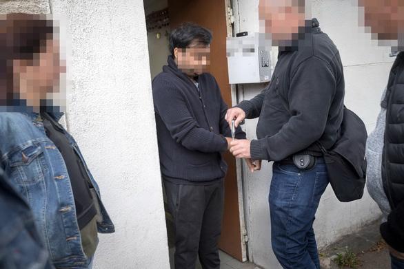 Bọn buôn người di cư mỗi đêm kiếm vài trăm ngàn đô - Ảnh 3.