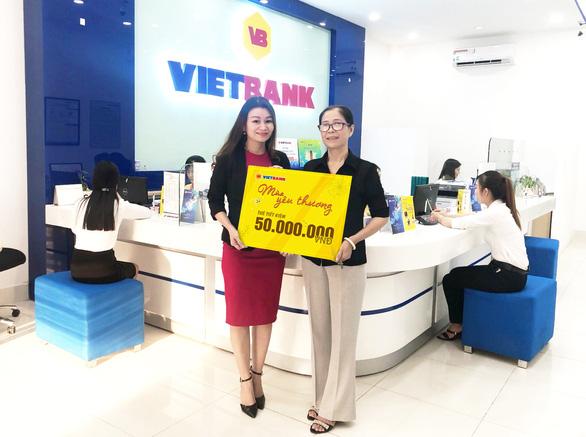 Khách hàng đầu tiên trúng 50 triệu đồng tại Vietbank - Ảnh 1.