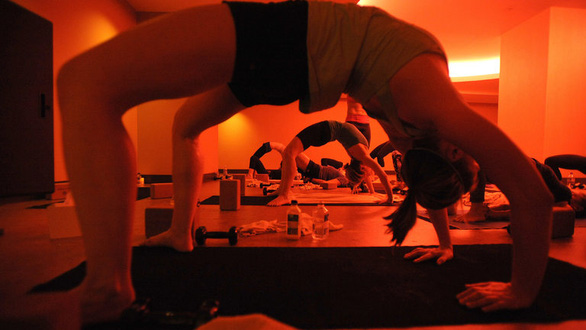 Yoga và những đụng chạm nhạy cảm nói ra không ai chịu nghe - Ảnh 1.