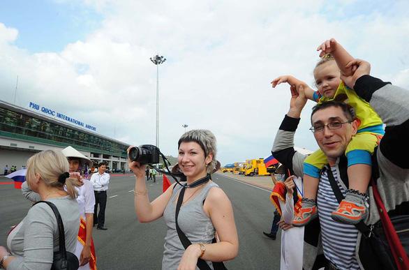 Phú Quốc thiếu gay gắt nhân lực du lịch - Ảnh 1.  Phú Quốc thiếu gay gắt nhân lực du lịch pq 1573433974808905798962
