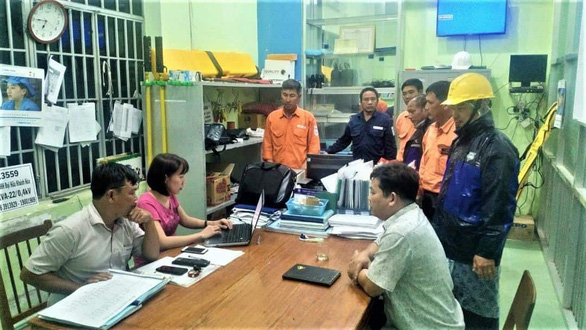 Bão Nakri khiến 200.000 khách hàng của EVN bị mất điện - Ảnh 1.
