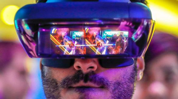 Tương lai công nghệ: kính thông minh thay thế smartphone - Ảnh 1.