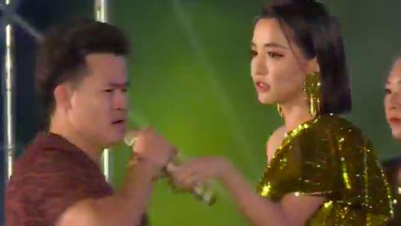 Bích Phương bị Sở Văn hóa Quảng Ninh phạt vì hát đè - Ảnh 1.