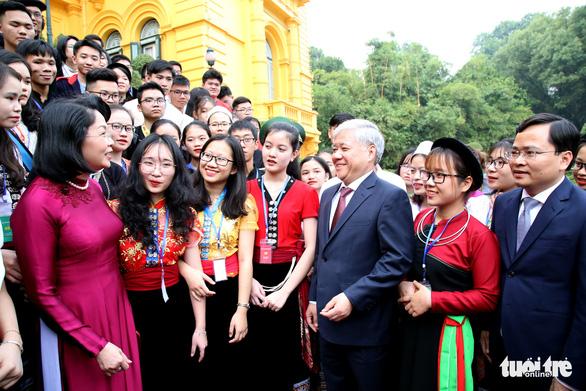 Tuyên dương 120 học sinh, sinh viên, thanh niên dân tộc thiểu số xuất sắc - Ảnh 5.
