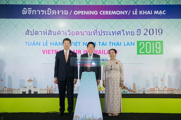 Tuần lễ hàng Việt Nam tại Thái Lan 2019 : 7 biên bản hợp tác được ký kết - Ảnh 1.