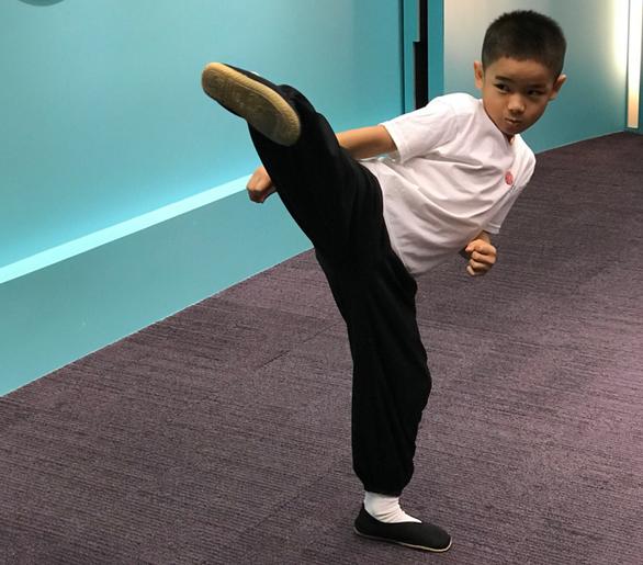 Lập kỷ lục Guinness nhờ sở hữu 158 huy chương võ thuật khi mới 7 tuổi - Ảnh 2.