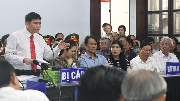 Vợ chồng luật sư Trần Vũ Hải làm bị cáo trong phiên xử 5 ngày vụ án trốn thuế - Ảnh 2.