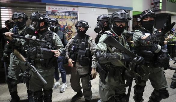 Cảnh sát quá tải, Hong Kong lập đội đặc nhiệm xử lý biểu tình - Ảnh 1.