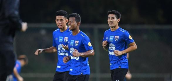 Tiền vệ Sarach Yooyen: Thái quyết gom sạch 6 điểm trước Malaysia và Việt Nam - Ảnh 1.