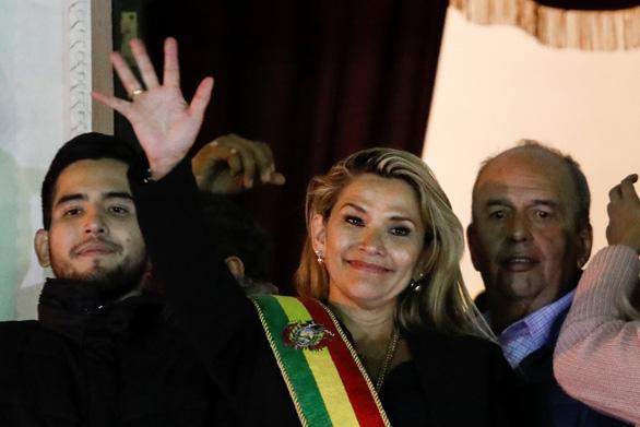 Bolivia có nữ tổng thống lâm thời - Ảnh 1.