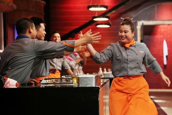 Yến Nhi - Nữ đầu bếp đầu tiên rời Top Chef Vietnam 2019 - Ảnh 1.