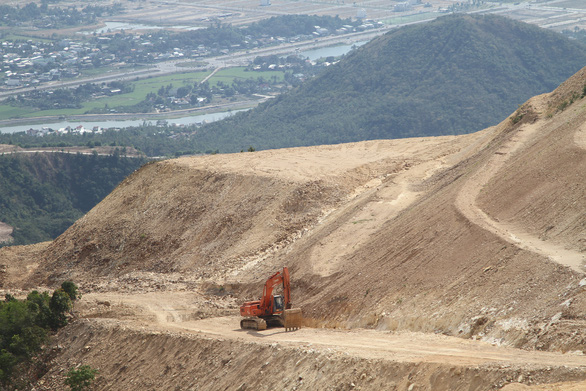 Thu hồi 370ha đất núi Chín Khúc đã giao cho doanh nghiệp - Ảnh 1.