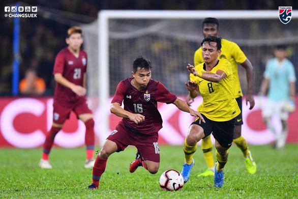 Thua Malaysia, Chanathip xin lỗi CĐV Thái Lan và hứa đá tốt hơn trước Việt Nam - Ảnh 1.