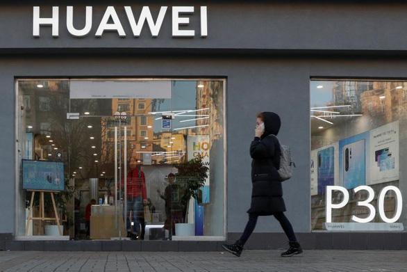Đài Loan cấm bán 3 mẫu điện thoại Huawei vì ghi Đài Loan, Trung Quốc - Ảnh 1.