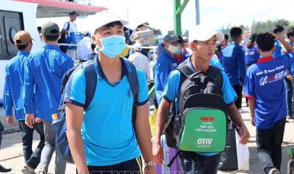 Bình Thuận không cho học sinh huyện đảo Phú Quý thi THPT quốc gia tại chỗ - Ảnh 1.