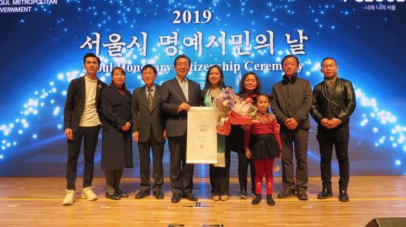 Người Việt đầu tiên được vinh danh Công dân danh dự Seoul là người Đà Nẵng - Ảnh 2.