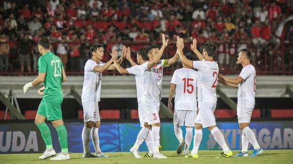 Liên đoàn Bóng đá châu Á: Việt Nam hướng đến 3 điểm trước UAE - Ảnh 1.