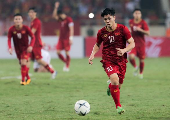 Việt Nam thắng UAE và nghịch lý Công Phượng - Ảnh 1.