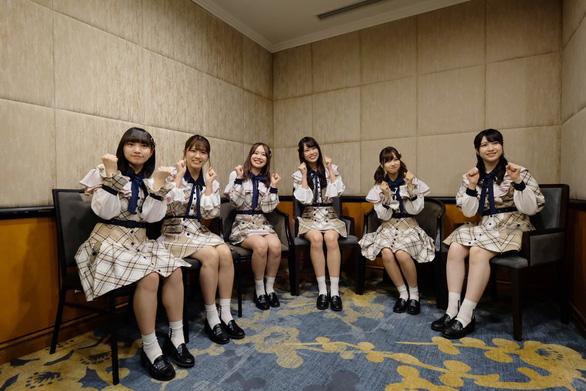 Các cô gái AKB48 'làm nóng' giải Việt Nam Kizuna Ekiden 2019 - Ảnh 1.