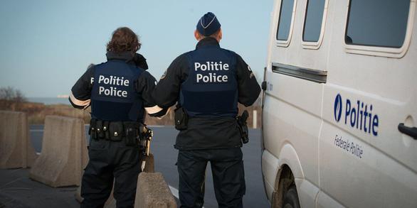 Bỉ bỏ tù người gốc Việt 3 năm vì đưa lậu người Việt sang Bỉ, Pháp - Ảnh 1.