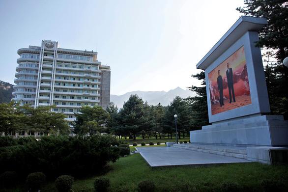 Triều Tiên dọa đập bỏ các công trình do Hàn Quốc xây dựng trên núi Kim Cương - Ảnh 1.
