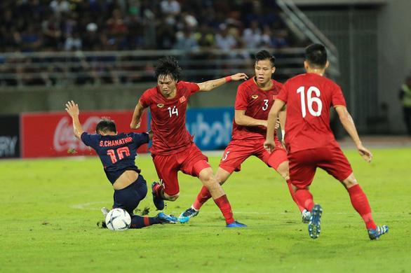 Chiều mai, đội tuyển Thái Lan có mặt tại Hà Nội, chuẩn bị đấu với Việt Nam - Ảnh 1.