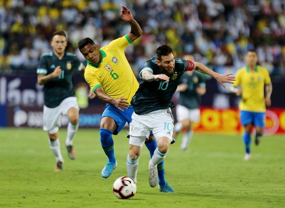 Messi ghi bàn giúp Argentina đánh bại Brazil - Ảnh 3.