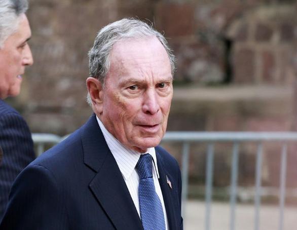 Tỉ phú Bloomberg chi 100 triệu USD cho chiến dịch quảng cáo đấu ông Trump - Ảnh 1.