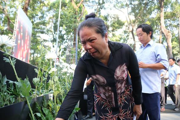 Mỗi năm 8.000 người chết vì tai nạn giao thông: Em ước gặp mẹ dù chỉ 5 giây - Ảnh 1.