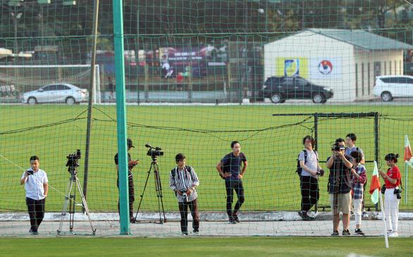 Ông Park cấm cửa phóng viên Thái Lan - Ảnh 1.