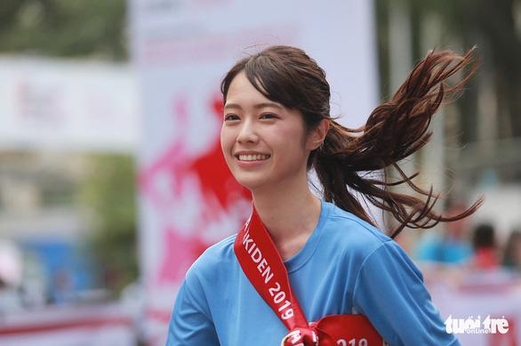 Cuộc đua Kizuna Ekiden của tình bằng hữu, vì an toàn giao thông - Ảnh 3.