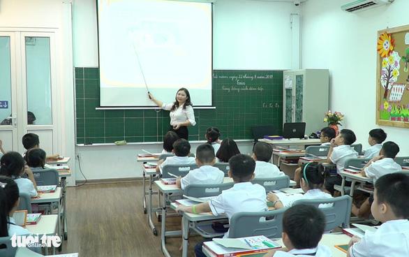Mỗi tỉnh có thể chọn sách giáo khoa theo từng môn học - Ảnh 1.