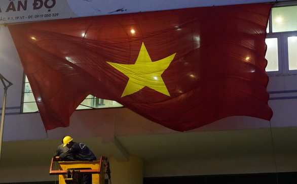 Vũng Tàu lắp màn hình 600 inch phục vụ trận Việt Nam - Thái Lan - Ảnh 3.