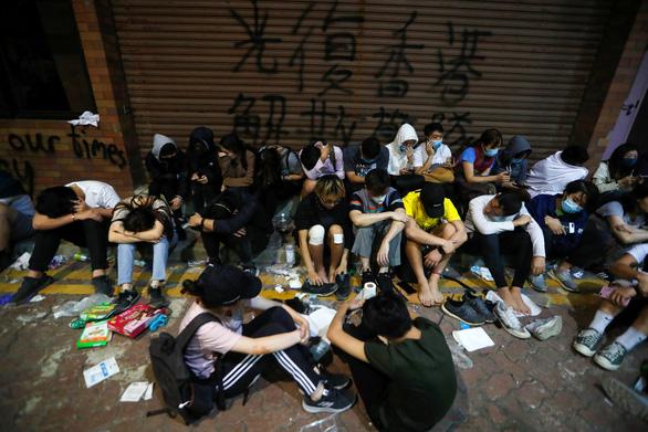 Trung Quốc bác phán quyết của Tòa tối cao Hong Kong - Ảnh 1.
