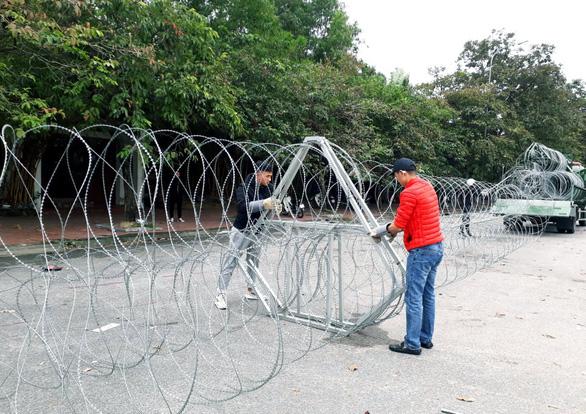 Dựng rào thép gai quanh Mỹ Đình để bảo vệ trận Việt Nam- Thái Lan - Ảnh 5.