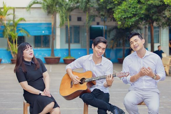 Ngọc Linh trở lại, cùng Nguyễn Hồng Ân hát mừng 20-11 - Ảnh 3.