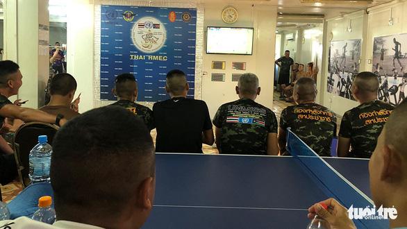 Bác sĩ Việt ở Nam Sudan cổ vũ đội nhà ở ngay... đại đội Công binh Thái Lan - Ảnh 1.